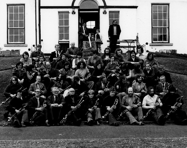 Uilleann pipers, The Falls Hotel, Ennistymon, Co. Clare / Liam McNulty, photographer
