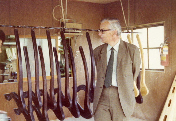 Micheal Yeats at the Aoyama harp workshop / [unidentified photographer]