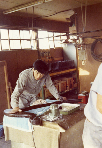 Unidentified harp maker in Aoyama harp workshop / [unidentified photographer]